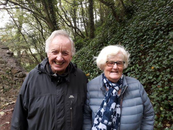 Smiles Nos.332-333 George and Sue from Balerno, Edinburgh.