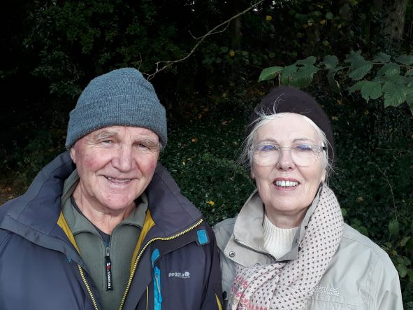 Smiles Nos.334-335 Pete and Marie from Hinckley, Leicestershire.